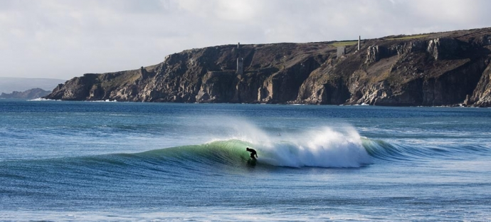 surf lesson accommodation newquay