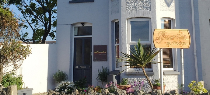 newquay fistral surf lodge accommodation